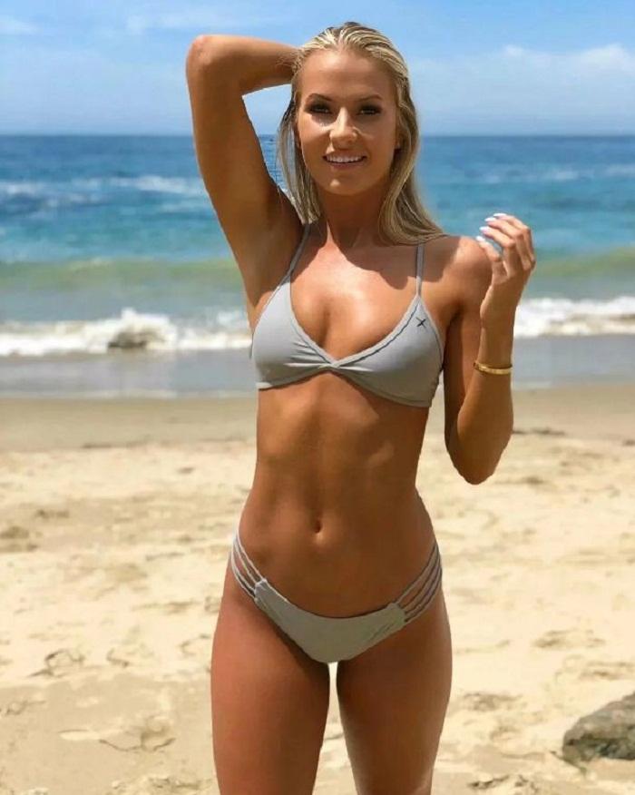 фото красивых девушек на пляже