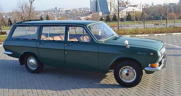 ГАЗ 24−02 универсал