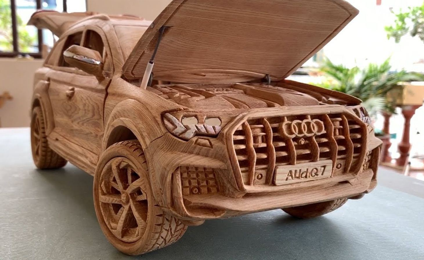 Audi Q7 из дерева (3)
