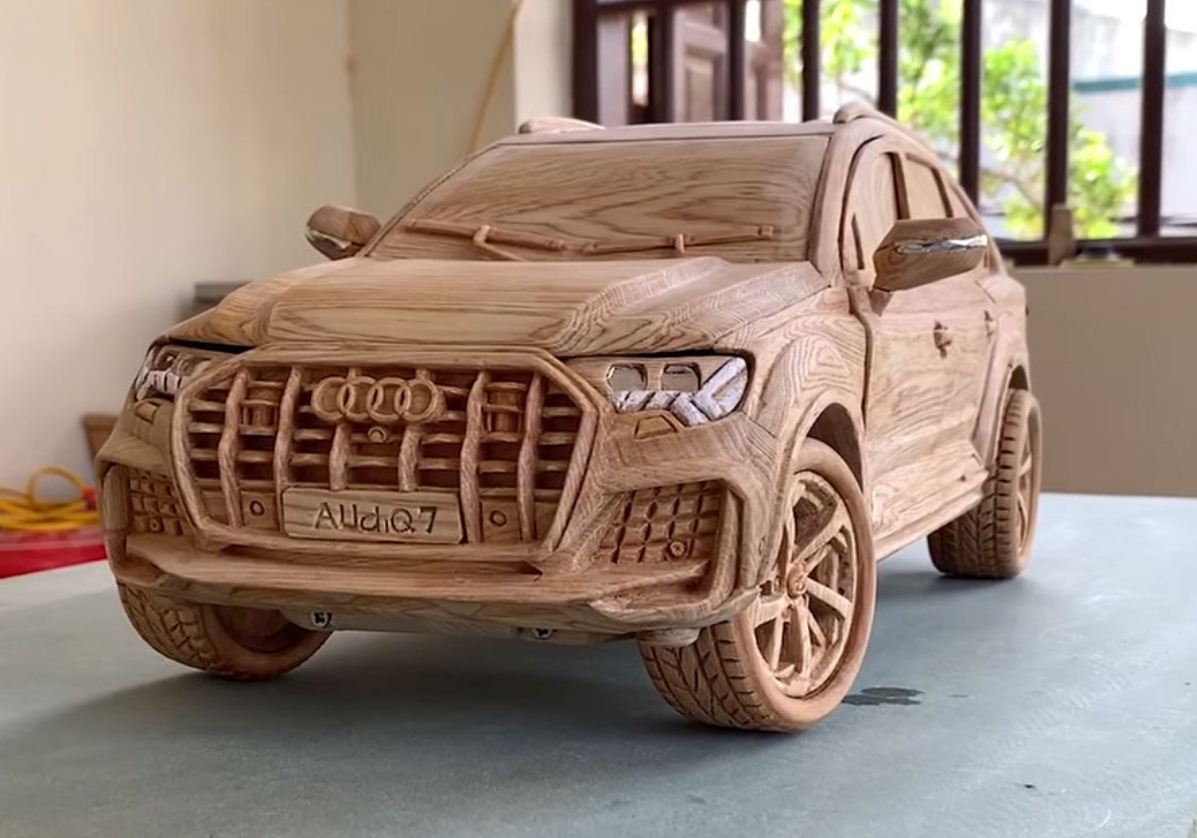 Audi Q7 из дерева
