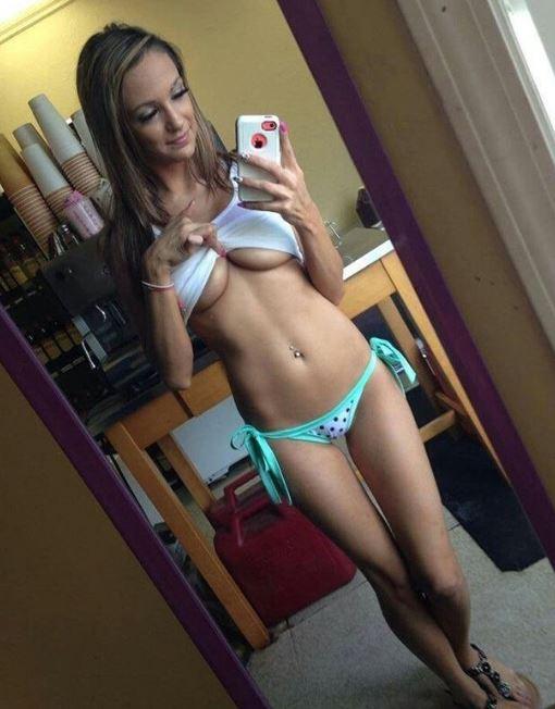 Девушки показывают красивое тело дома без стеснения и одежды (14)
