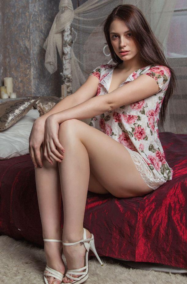 Обычные девушки фото в домашних условиях (16)