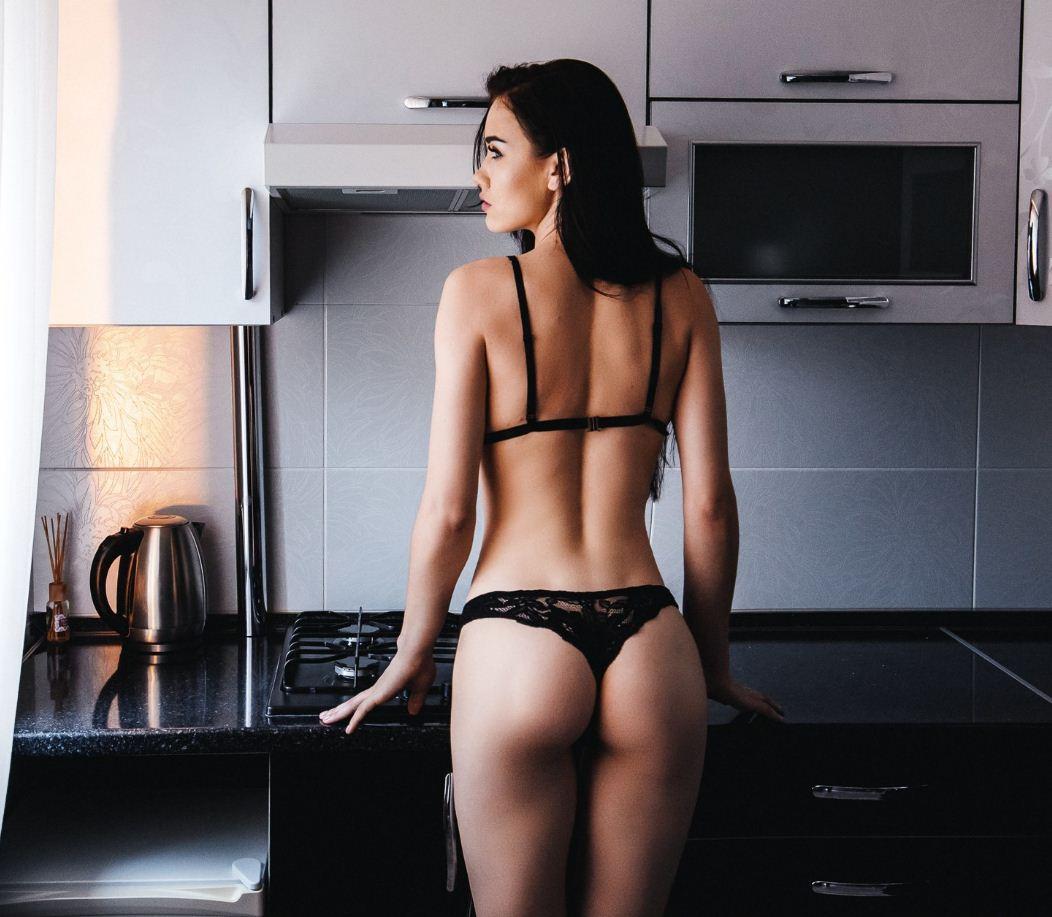 Обычные девушки фото в домашних условиях (21)