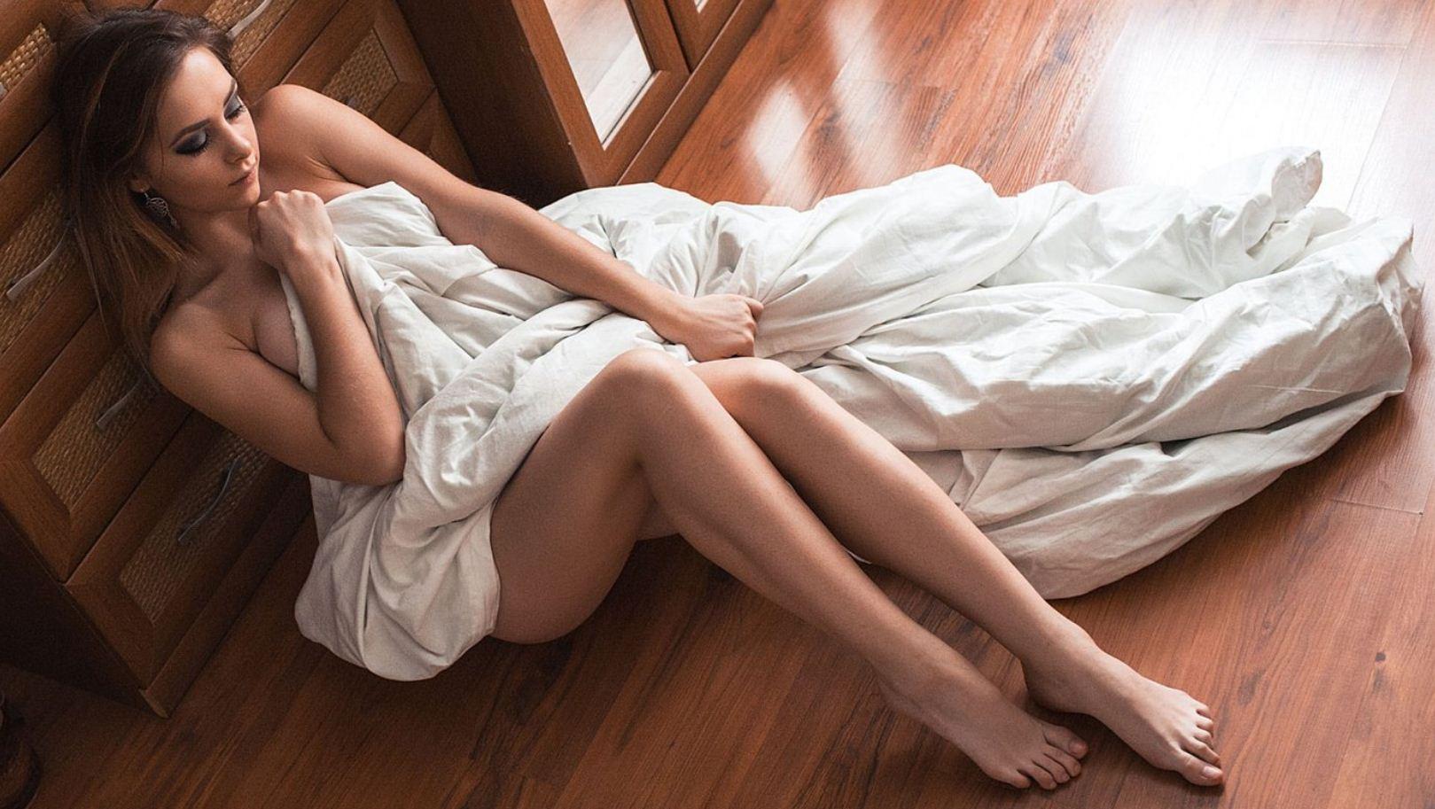 Обычные девушки фото в домашних условиях (25)