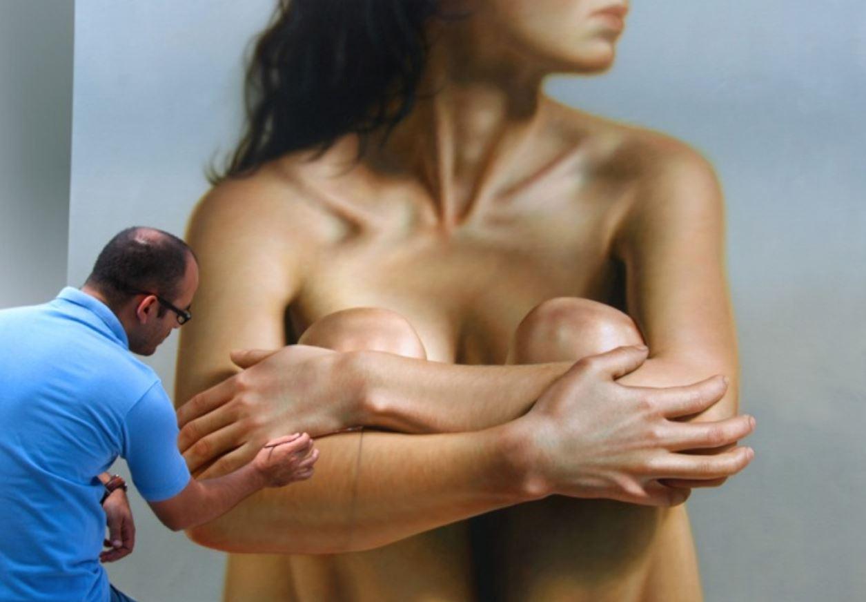 Реалистичные картины женского тела от Омара Ортиса
