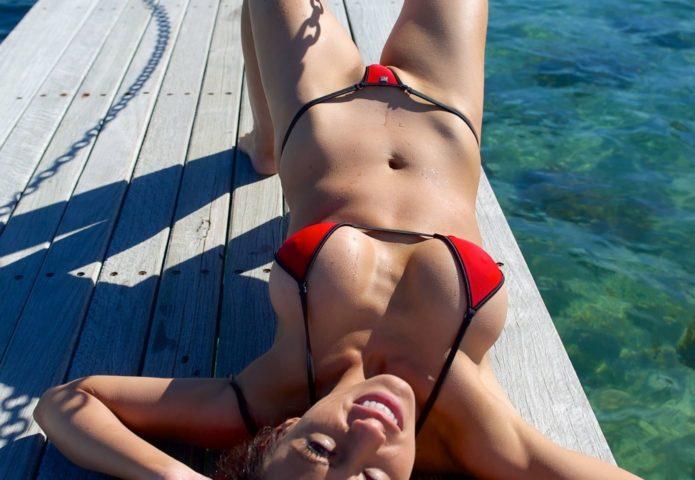 девочка пляж (2)