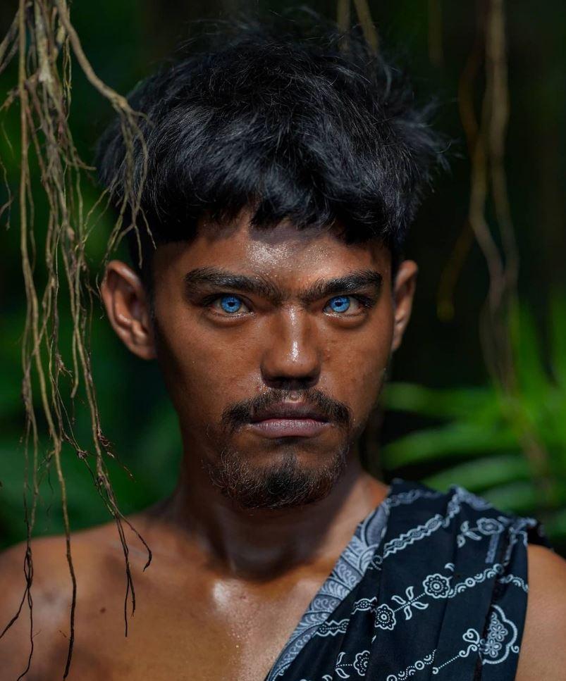 Голубые глаза у людей (2)