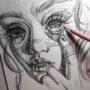 Рисунок девушки карандашом, красивое лицо